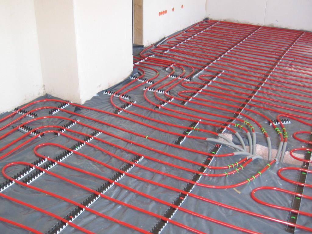 underfloor heating pipes